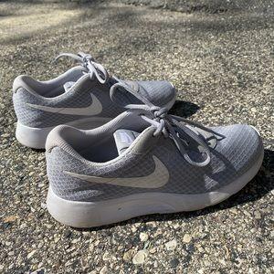 Woman's Tanjun Nike Sneakers